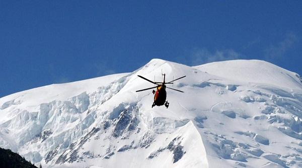 helico en montagne